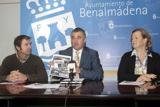 Presentation of the monthly newspaper in English published by the Town Hall