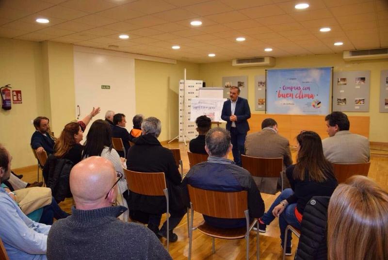 El Concejal Bernardo Jiménez mantiene un encuentro con empresarios y emprendedores en la sede le la ACEB.