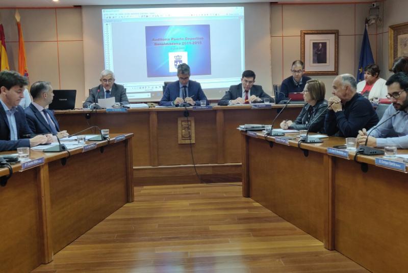 La auditoría de la empresa municipal Puerto Deportivo revela que el 66.19% de sus contratas fueron facturadas a dos mismos grupos de empresarios.