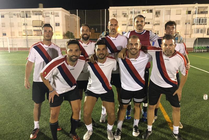 El equipo debutante Calatravas Team, campeones del 21 Torneo Cruzcampo de fútbol 7.