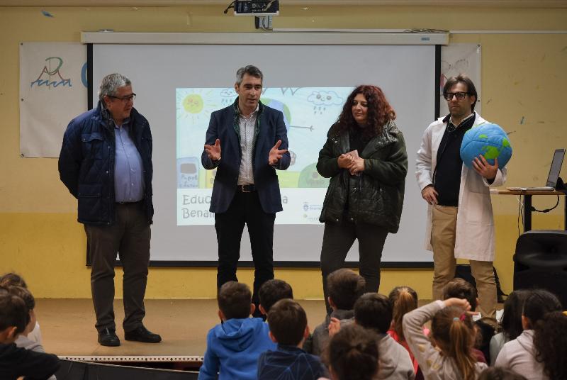 EL AYUNTAMIENTO PONE EN MARCHA LA CAMPAÑA DE EDUCACIÓN MEDIOAMBIENTAL EN LOS COLEGIOS 'CUREMOS EL PLANETA'