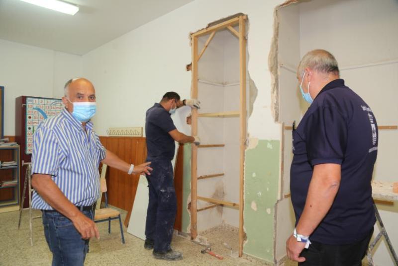 SERVICIOS OPERATIVOS COMIENZAN LOS TRABAJOS DE MANTENIMIENTO Y MEJORA DEL COLEGIO POETA SALVADOR RUEDA