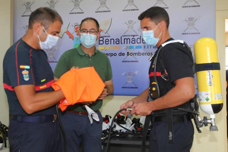 BOMBEROS DE BENALMÁDENA ADQUIEREN NUEVOS EQUIPOS DE RESPIRACIÓN INDIVIDUALES
