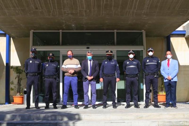 LOS AGENTES DE LA POLICÍA LOCAL DE BENALMÁDENA ESTRENAN HOY SUS NUEVOS UNIFORMES