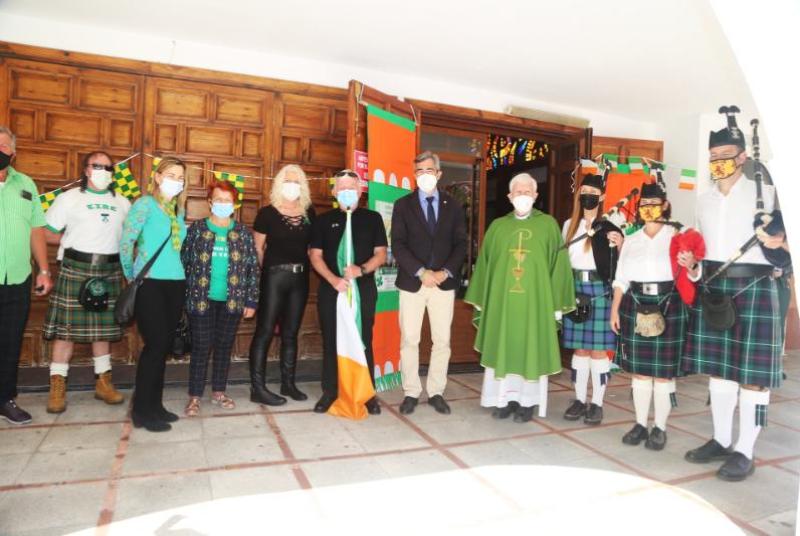 EL ALCALDE VÍCTOR NAVAS SE UNE A LA COMUNIDAD IRLANDESA EN LA CELEBRACIÓN DEL DÍA DE SAINT PATRICK