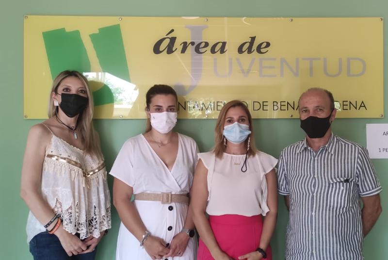 LA CONCEJALA DE JUVENTUD MANTIENE UN ENCUENTRO CON LA COORDINADORA PROVINCIAL DEL INSTITUTO ANDALUZ DE JUVENTUD