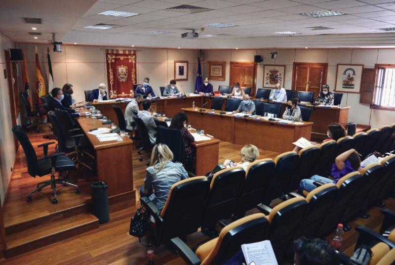 EL EQUIPO DE GOBIERNO VUELVE A RECLAMAR A LA JUNTA AVANCES EN EL PROYECTO DE AMPLIACIÓN Y MEJORA DEL HOSPITAL Y EN LA CREACIÓN DE NUEVOS CENTROS EDUCATIVOS