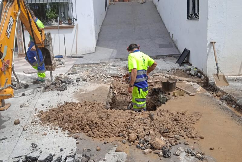 SERVICIOS OPERATIVOS CONTINÚAN CON EL PLAN DE MEJORAS DEL MUNICIPIO