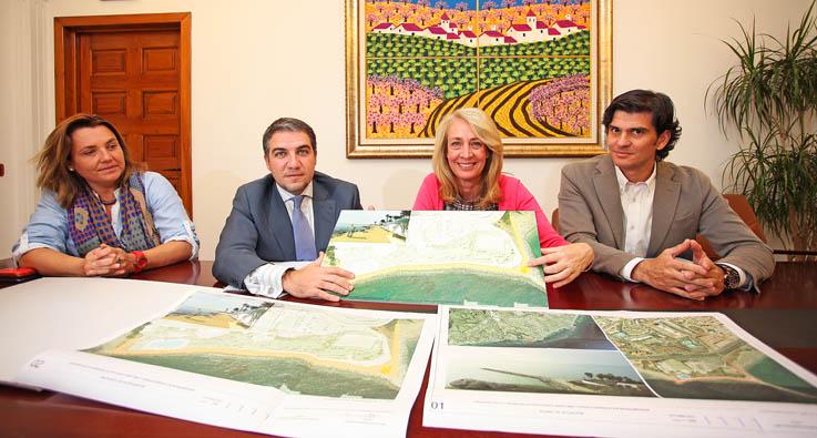 La Alcaldesa arranca el compromiso del Presidente de Diputación para hacer realidad el proyecto de rehabilitación del Paseo Marítimo de Torrequebrada