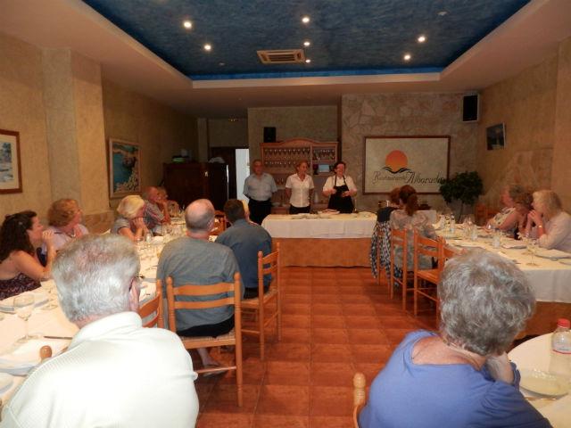 Más de medio centenar de residentes extranjeros participan en el curso de cocina española