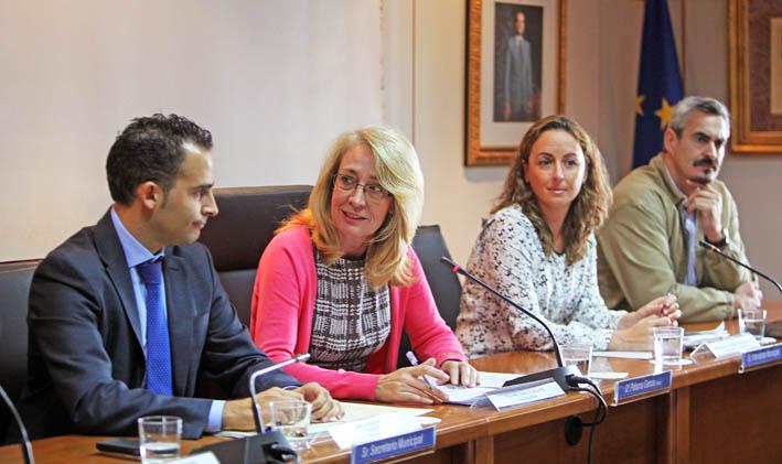 La Alcaldesa firma el convenio de colaboración con la Junta para impulsar el II Plan de Salud en Benalmádena