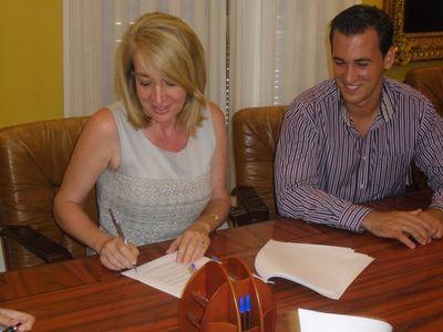 La Alcaldesa de Benalmádena Suscribe un Convenio Para Ejecutar de Forma Inmediata el Plan de Pago a Proveedores por Valor de 4,9 Millones de Euros.