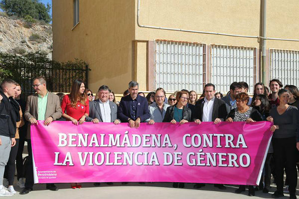El Alcalde Víctor Navas preside el Acto Institucional en Contra de la Violencia de Género en el IES Cerro del Viento