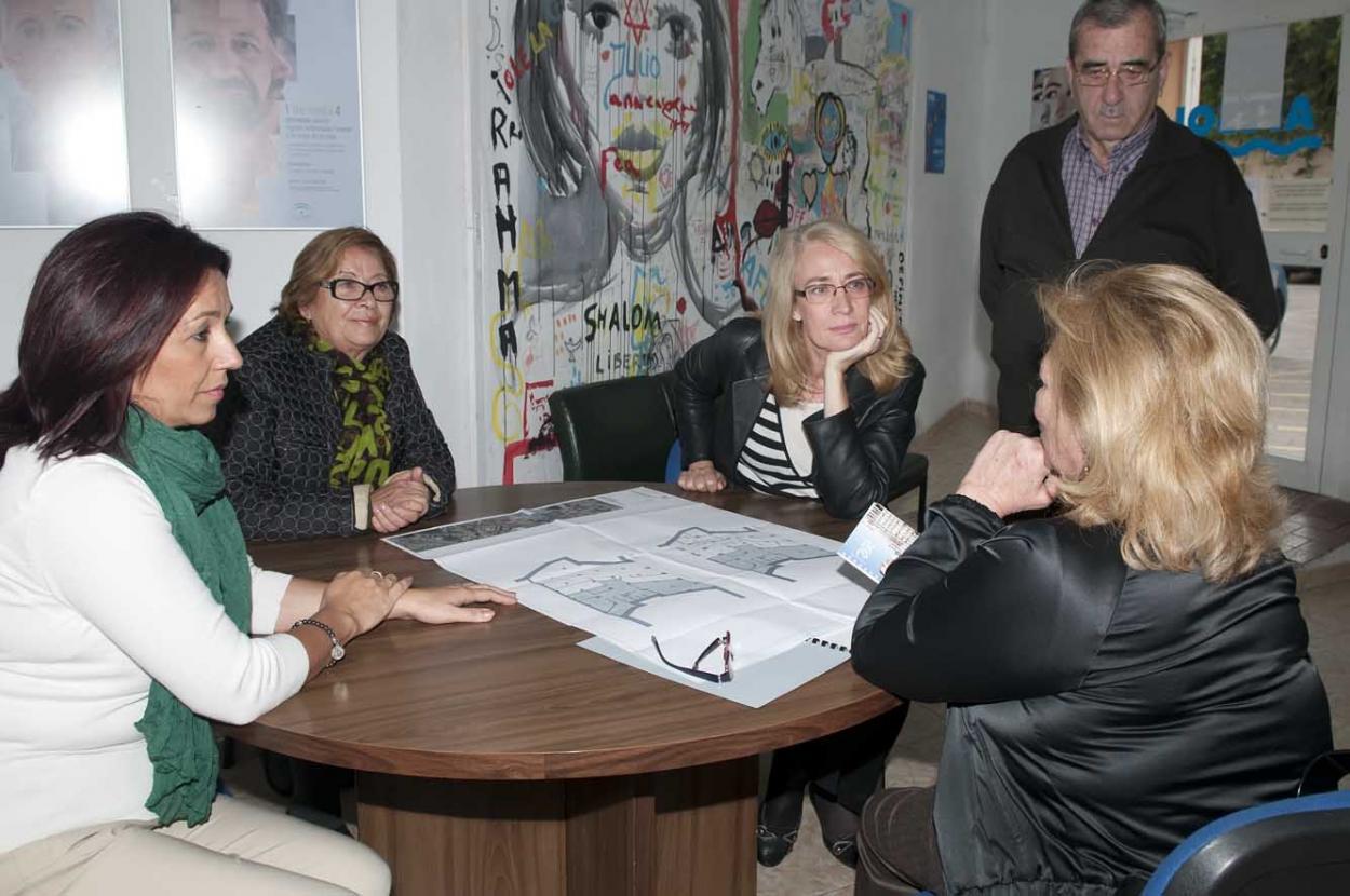 La Alcaldesa visita las instalaciones de AFESOL para conocer de primera mano su labor