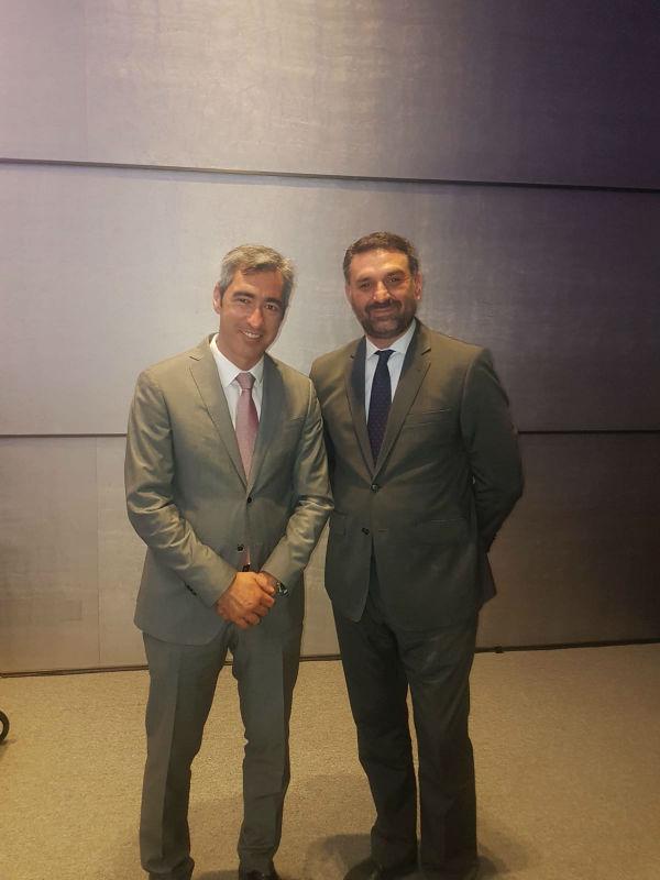 El Alcalde Víctor Navas y la Concejal Encarnación Cortes participan en un encuentro con el consejero de turismo de la Junta de Andalucía.