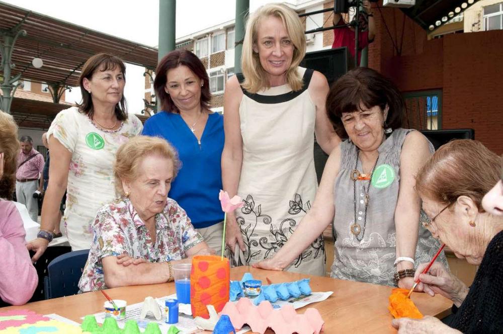 La alcaldesa participa en la jornada de puertas abiertas celebrada con motivo del Día Mundial del Alzheimer