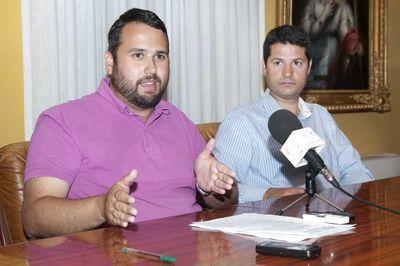 Servicios Operativos Acomete Trabajos de Limpieza y Mantenimiento en la Costa de Cara a la Veladilla del Carmen.