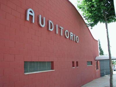 Trabajos de Reforma en el Auditorio Municipal de la Paloma.