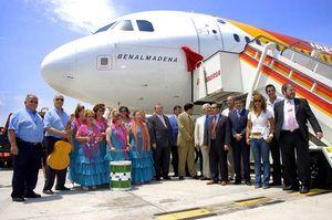Bautizan un avión de Iberia con el nombre de Benalmádena