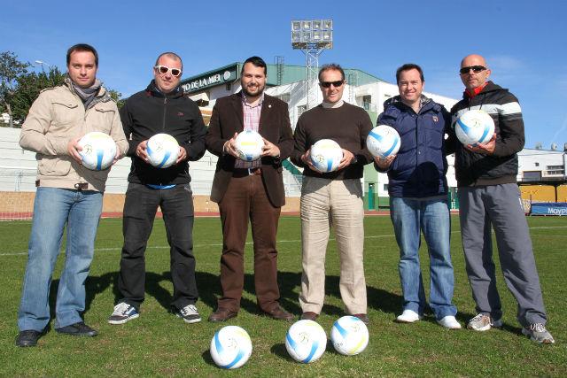 El Patronato Deportivo Municipal personaliza parte del material deportivo