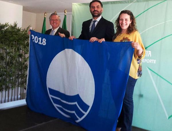 Benalmádena renueva sus tres Banderas Azules