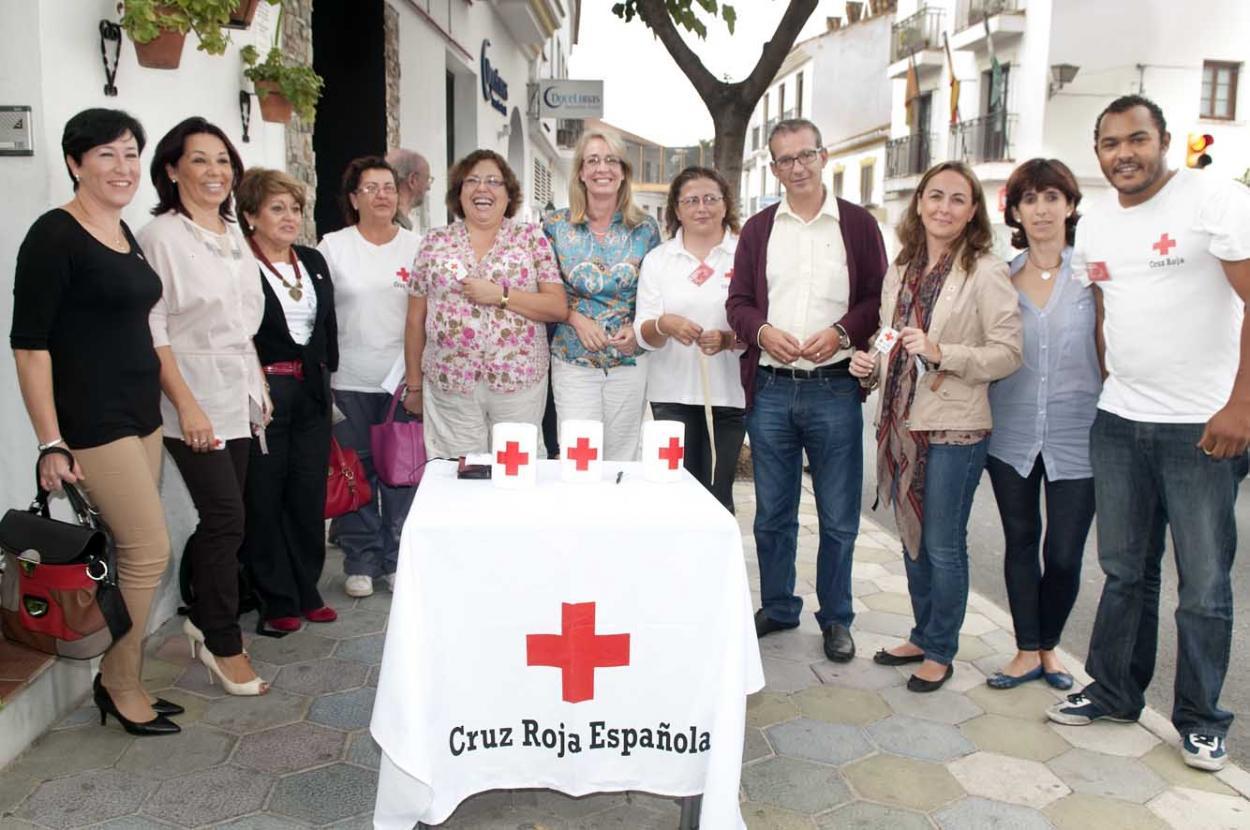 La Alcaldesa participa en el 'Día de la Banderita' de Cruz Roja bajo el lema 'Ahora más que nunca'