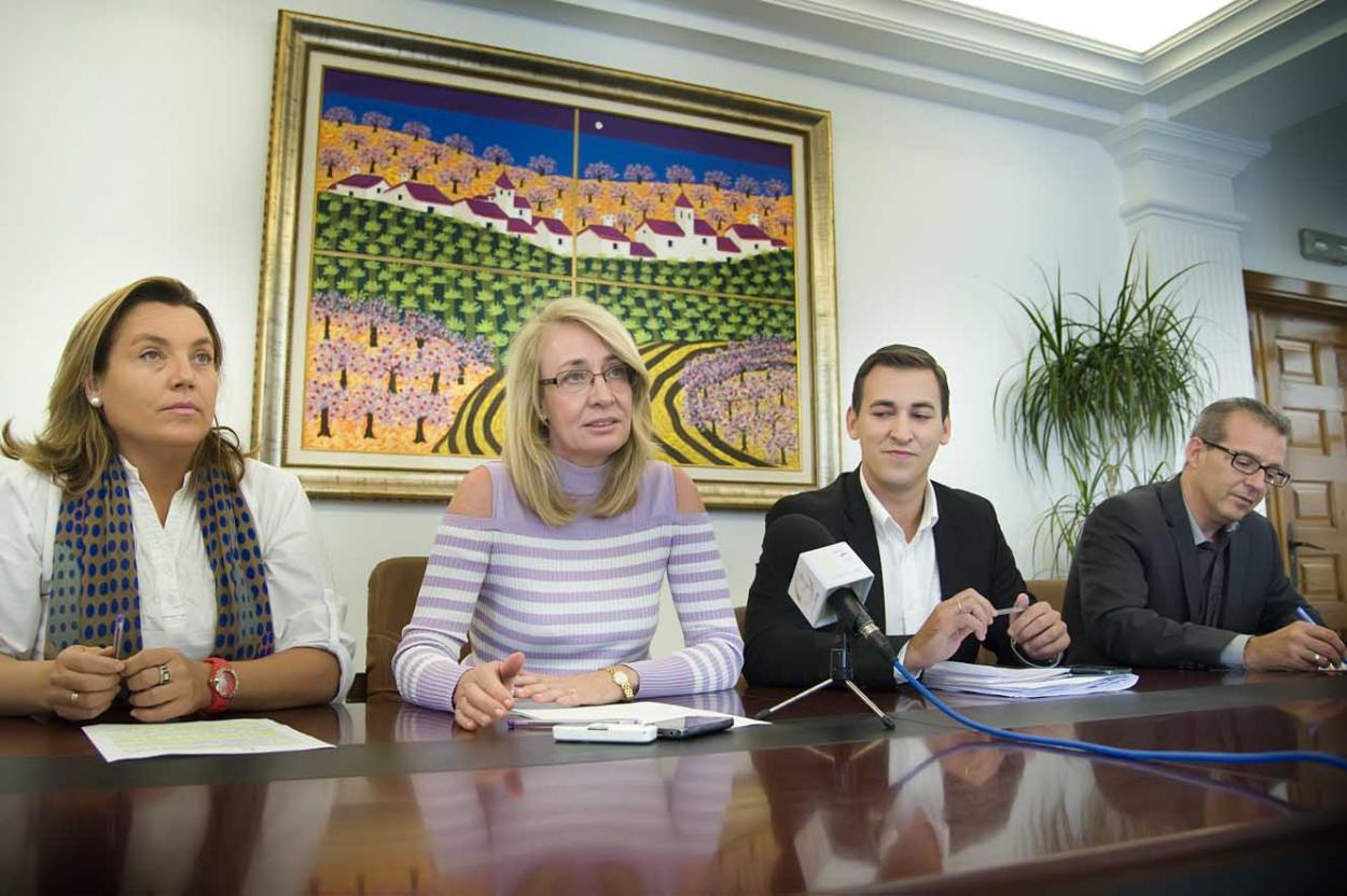 El Gobierno municipal baja la Tasa de Basura a todos los vecinos de Benalmádena