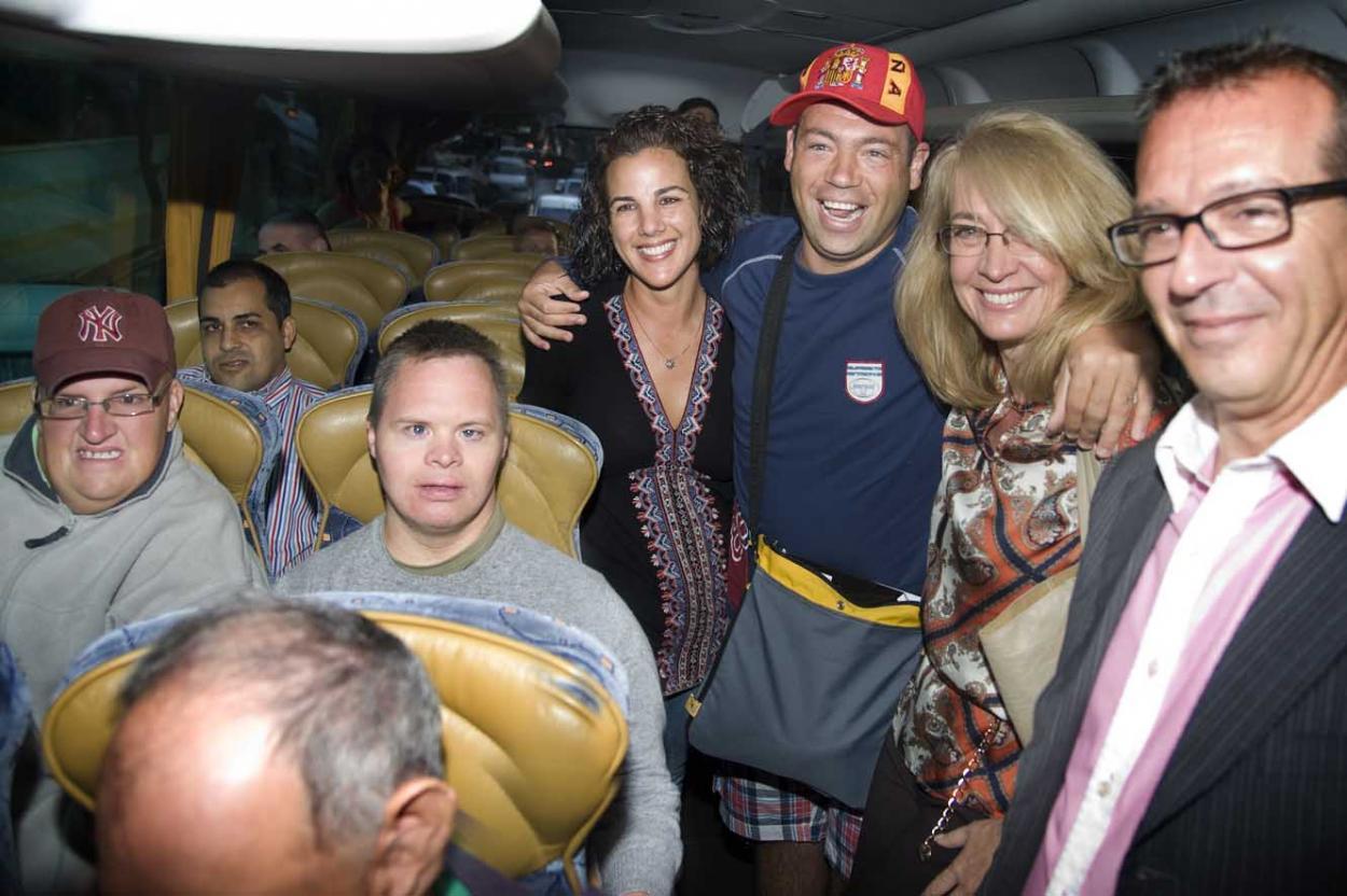 Usuarios y familiares del Centro Ocupacional viajan a Cádiz para disfrutar de un programa combinado de actividades y descanso
