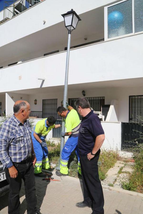 Servicios Operativos acometen mejoras en el alumbrado público de Calle Jabea