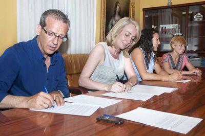 La Alcaldesa Presenta el Primer Campamento de Verano para Alumnos de Aulas Específicas en Benalmádena.