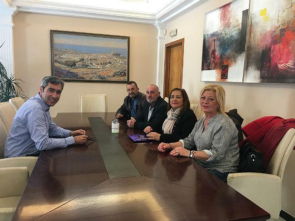 El Alcalde Víctor Navas mantiene un encuentro con la recién creada Asociación de Vecinos de Carranque