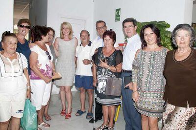 Paloma García Gálvez Visita los Centros Sociales de los Porches y Carola.