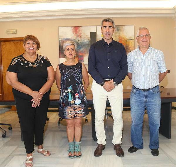 El Alcalde Víctor Navas anuncia que el Ayuntamiento prestará apoyo institucional a las reivindicaciones de la Plataforma Vecinal de Usuarios del CHARE de Benalmádena