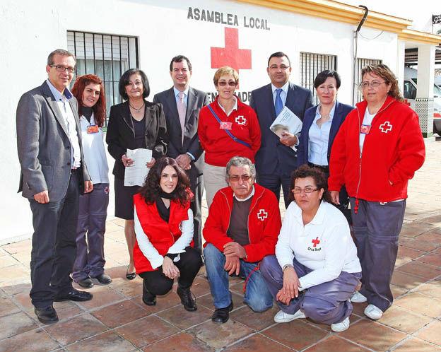La obra social de la Caixa entrega 3000 euros a Cruz Roja Benalmádena