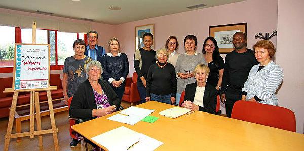 La Biblioteca de Arroyo de la Miel acoge un Taller de Cultura Española para Residentes Extranjeros
