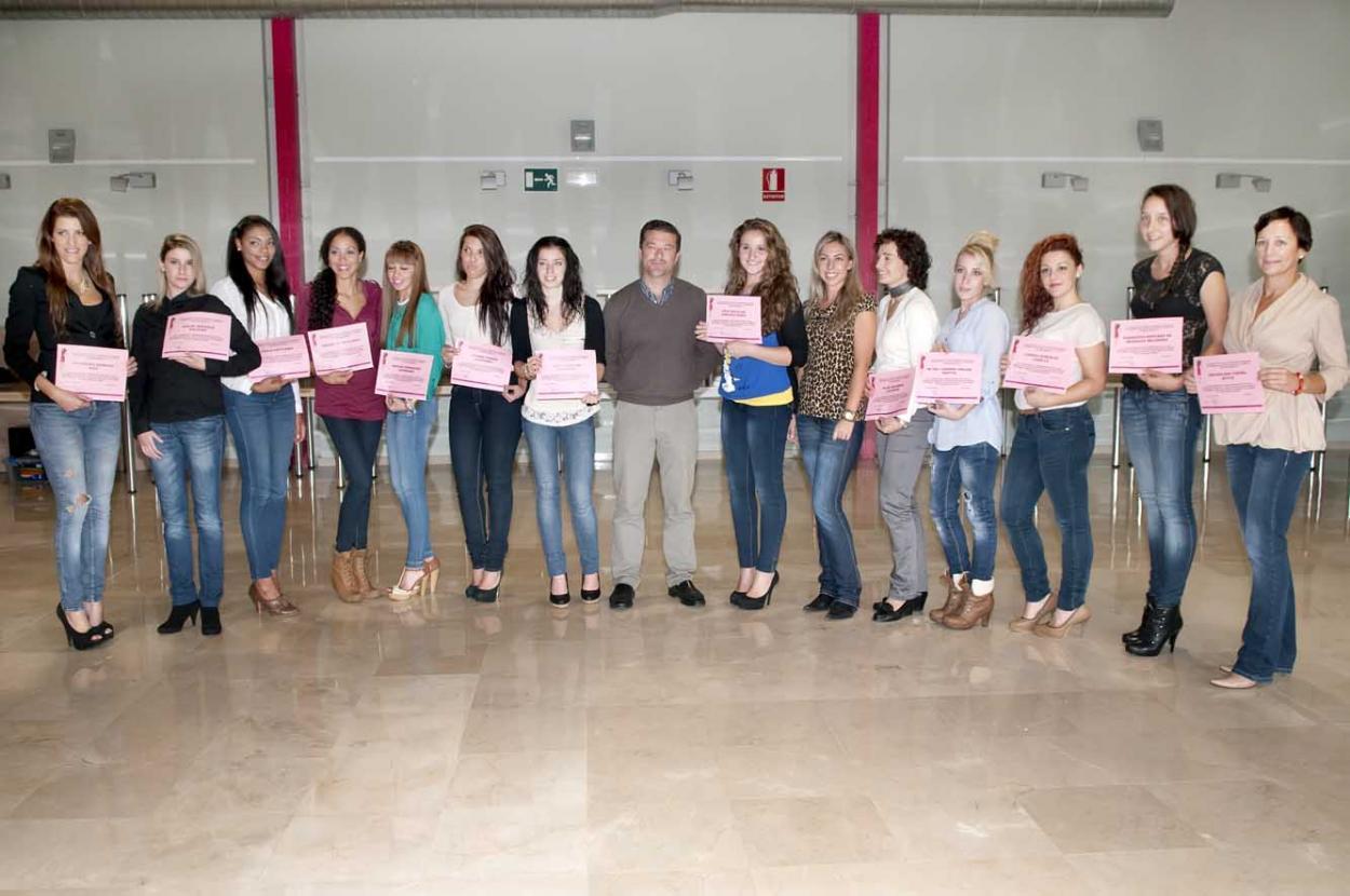 Clausura el curso de azafatas de congresos impartido en el Parque Innova