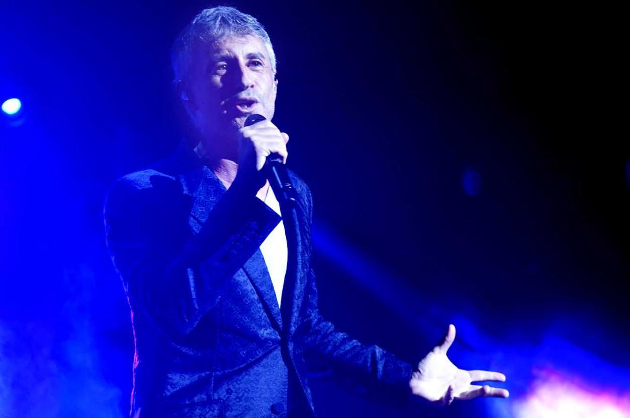 Más de 3.000 personas disfrutaron del concierto de Sergio Dalma en el Puerto Deportivo de Benalmádena