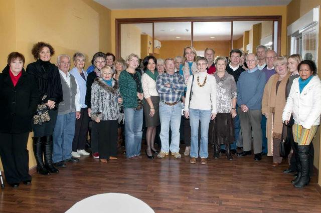 La Alcaldesa comparte un desayuno navideño con los intérpretes voluntarios del municipio