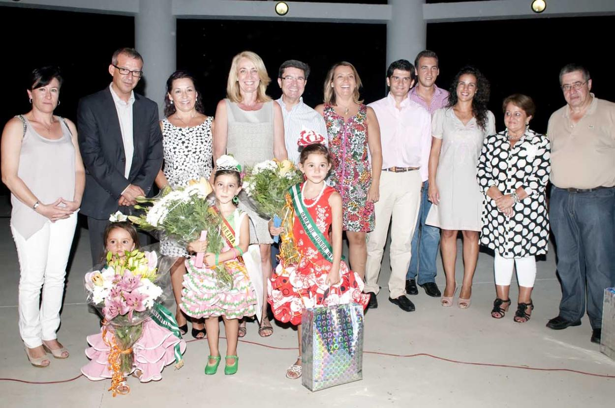 Gran éxito del desfile de moda flamenca celebrado en la Verbena de Santo Domingo