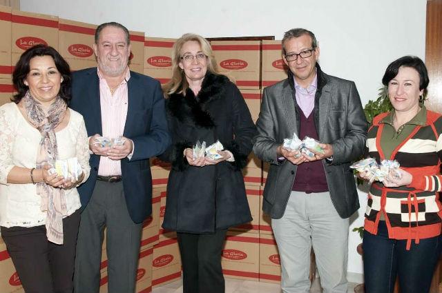Emabesa colabora con cerca de 23.000 bolsas de gominolas para la cabalgata de Reyes