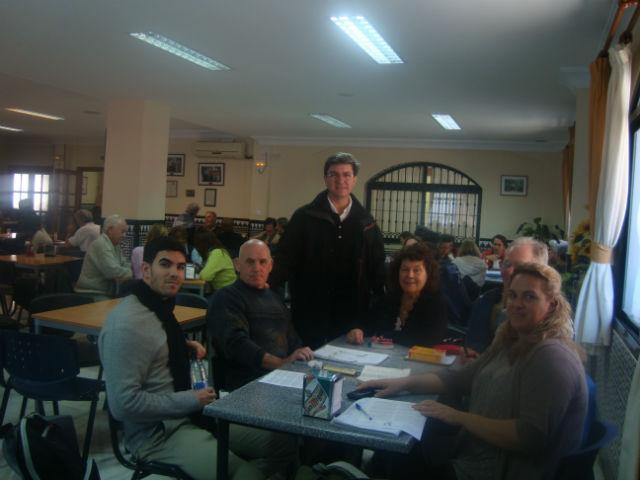 Más de un centenar de residentes extranjeros participa en una jornada de intercambio lingüístico en el centro 'Anica Torres'