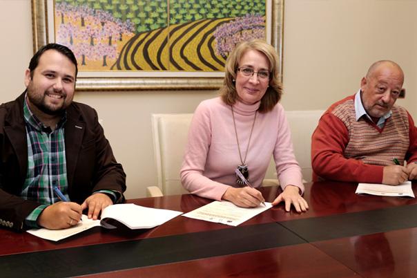 La Alcaldesa preside la firma del Convenio de Colaboración entre el Patronato Deportivo y Protección Civil