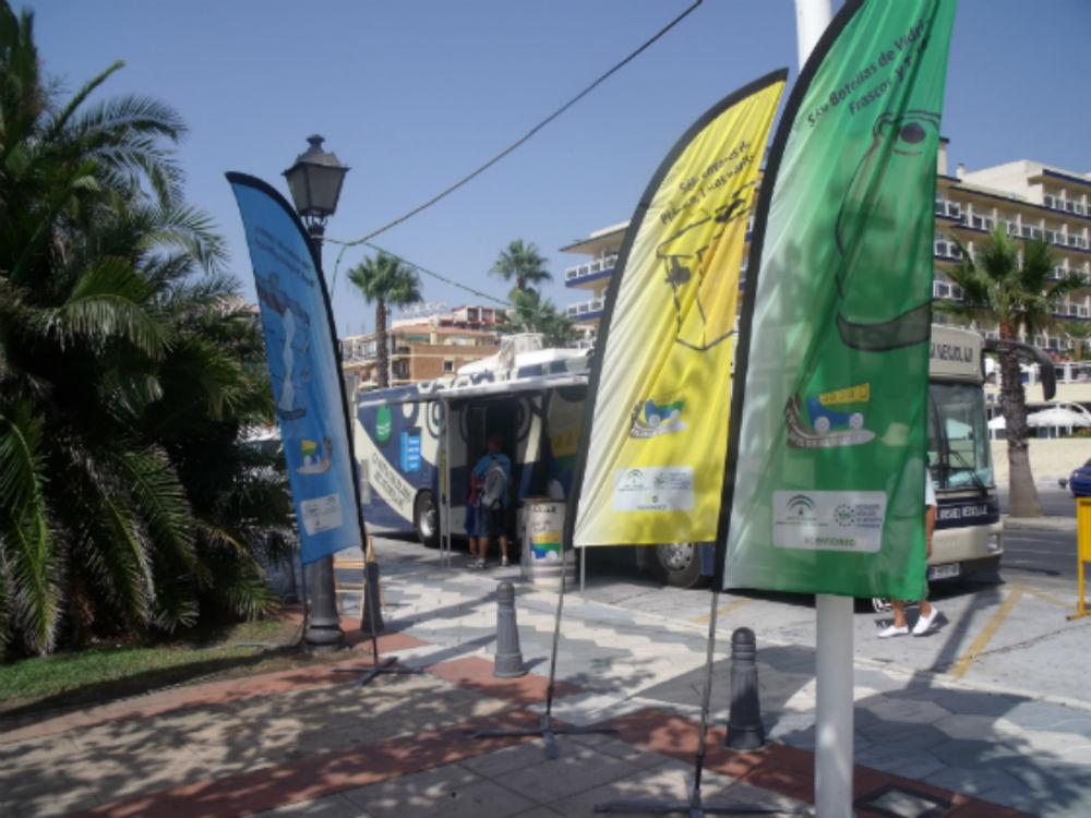 El Bus de Reciclaje llega a Benalmádena para concienciar sobre los beneficios de la separación de residuos