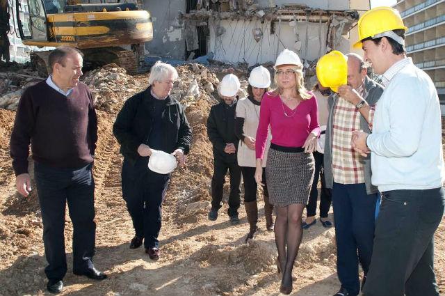 El Ayuntamiento de Benalmádena inicia los trabajos de demolición del antiguo Hotel Park
