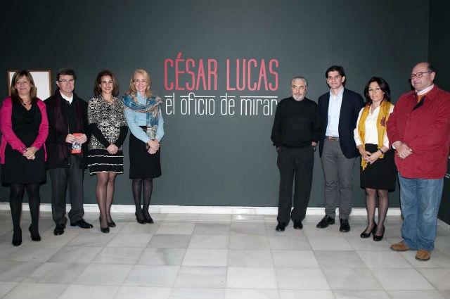 La Alcaldesa inaugura la nueva muestra del Centro de Exposiciones, 'César Lucas. El oficio de mirar'