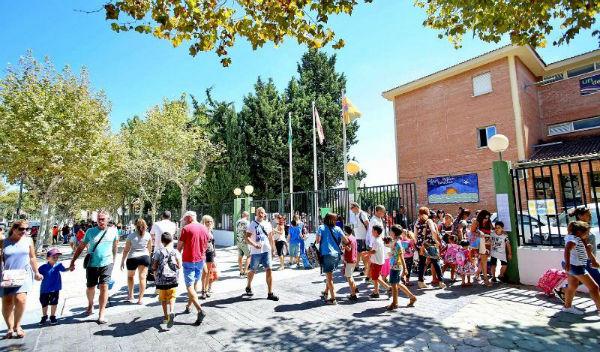 La Concejala Elena Galán inaugura el curso escolar 2017-2018 en el colegio  El Tomillar