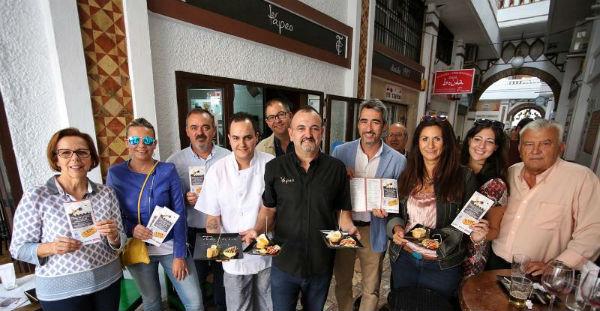 El Alcalde Víctor Navas y el Concejal de Comercio, Bernardo Jiménez inaugurarán la I Ruta de la Tapa de Cine