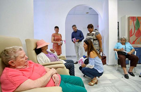 El Alcalde Víctor Navas y los Concejales Javier Marín, Ana Scherman, Irene Díaz  y Alicia Laddaga participan en la jornada de puertas abiertas de AFAB