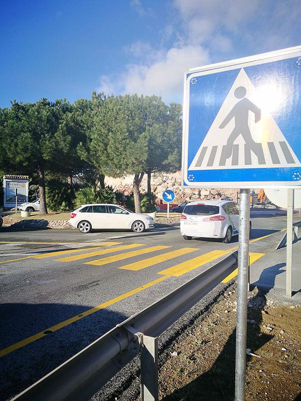 Entra en servicio en las obras del Km. 222 la pasarela para el tránsito peatonal de los vecinos de Santangelo Norte solicitada por el Ayuntamiento