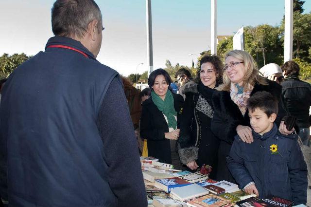 Gran éxito de participación en el Mercadillo de Libros Solidarios a favor de CUDECA